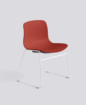 Židle AAC 08, sedák Warm Red, noha White Powder Coated Steel