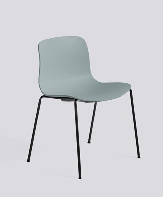 Židle AAC 16, sedák Dusty Blue, noha Black Powder Coated Steel